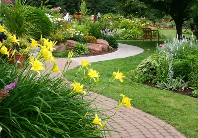 Celebrating National Lawn and Garden Month in Your Mount Dora Home